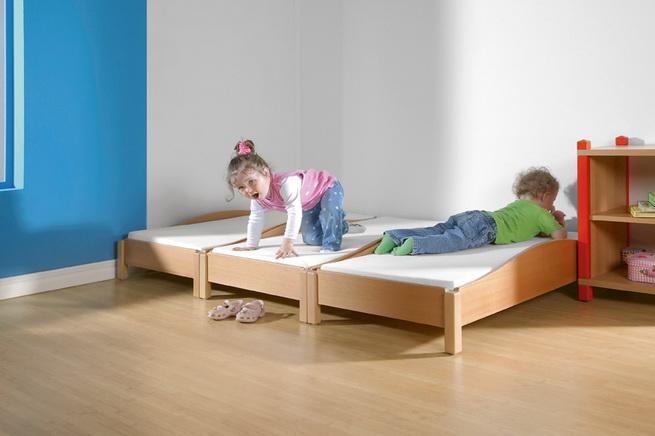 kindergarten kindergarten stapelbetten aus holz g nstig kaufen. Black Bedroom Furniture Sets. Home Design Ideas