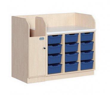 kindergarten mit aufgang und 12. Black Bedroom Furniture Sets. Home Design Ideas
